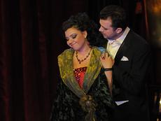 Silvia pe scena Teatrului de Opereta